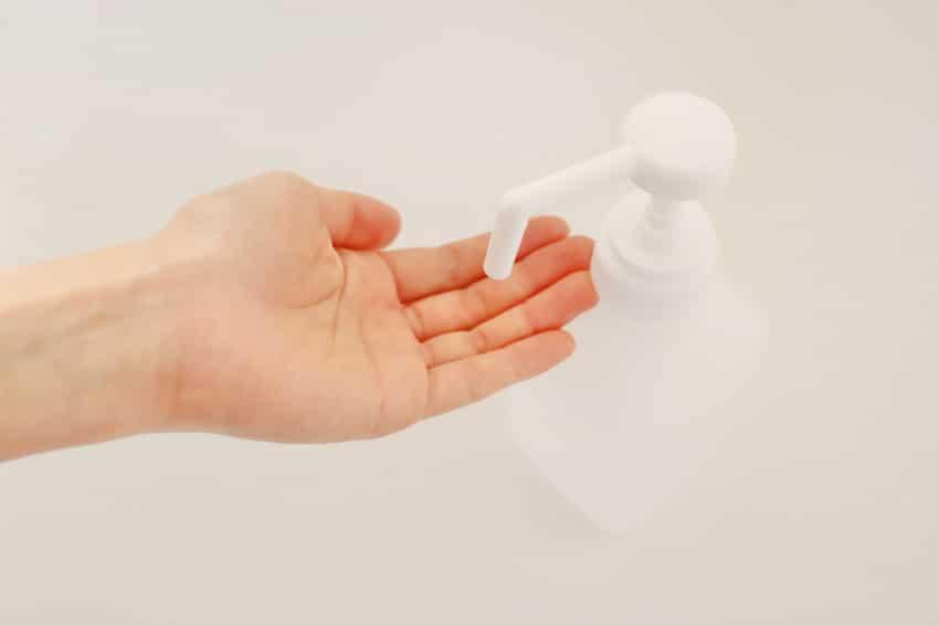 施術後の手洗い・アルコール消毒の徹底